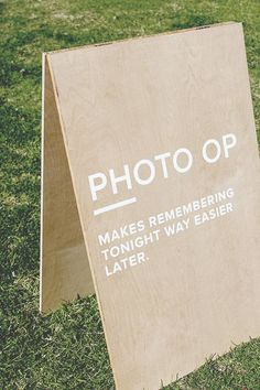 Wedding Day Minimalist Signage: This low-cost project for your wedding day is easy to make for any level of DIY. - From the practical to the just plain cute, these 10 DIY wedding signs are fun and easy to make. Plus, they are guaranteed to impress. Before Wedding, Wedding Tips, Wedding Planning, Wedding Day, Wedding Ceremony, Wedding Details, Food Truck Wedding, Diy Wedding Food, Wedding Souvenir