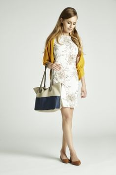 Kobieco, i elegancko, czyli tak jak lubimy najbardziej :) #QSQ #fashion #inspirations #outfit #ootd #look #fall #autumn #floral #flowers #white #yellow #casual #color #accent #bag