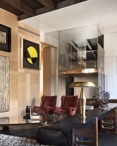 Apartamento em Milão, Itália. Projeto de Vincenzo De Cotiis. #arquitetura #arte #art #artlover #design #architecturelover #instagood #instacool #instadesign #instadaily #projetocompartilhar #shareproject #davidguerra #arquiteturadavidguerra #arquiteturaedesign #instabestu #decor #architect #criative #interiores #estilos #combinações #milao #italia #vincenzodecotiis