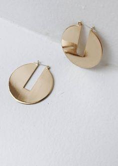 large round gold hoop earrings