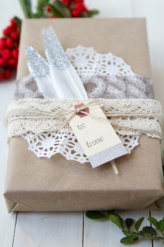 GRANNYGIRLS.COM - Easy DIY Holiday Gift Wrap
