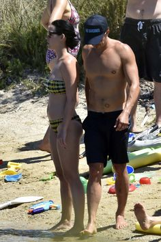 Pin for Later: Katy Perry and Orlando Bloom Have a Steamy NSFW Beach Day in Italy