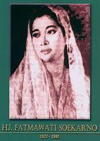 gambar-foto pahlawan nasional indonesia, Ibu Fatmawati Soekarno Wood Wall Art Decor, Minangkabau, Ending Story, Eid Al Fitr, Historical Pictures, Founding Fathers, Hero, History, Artwork