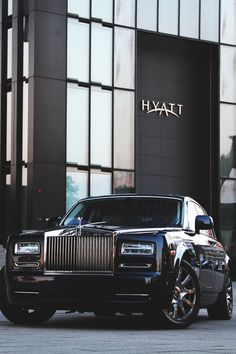 the luxury side of life Voiture Rolls Royce, Rolls Royce Cars, Rolls Royce Wallpaper, Pinterest Instagram, Car Backgrounds, Rolls Royce Phantom, Best Luxury Cars, Latest Cars, Sexy Cars