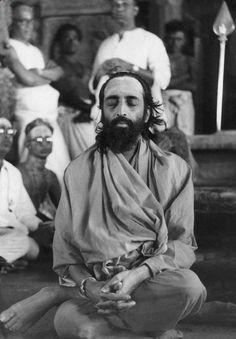 """Upanishads : """"The cream of Vedas"""": MUNDAKOPANISHAD : CHAPTER-3. SECTION-2.  Mantram-9..."""
