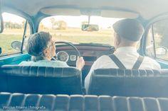 O casal, que já passa dos 80 anos de idade, ficaram firmes e fortes durante toda a sessão de fotos, quase modelos profissionais já, rs. Conseguiram transmitir com muita doçura, toda gama de experiências e sentimentos bons que uma longa e próspera vida a dois pode proporcionar, quando há entrega mútua… Traduziram em pequenos gestos e detalhes, a essência do verdadeiro amor!