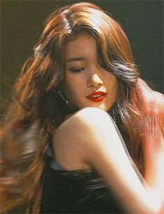 Bae Suzy, Goblin, Close Up, Asian Girl, Dandelion, Curves, Idol, Gifs, Korean
