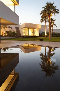 Tremendous modern house and pool designs