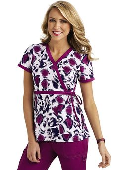 Scrub tops that keep you looking stylish and feeling comfortable. Bring a spark of creativity to your uniform with a printed scrub top from Scrubs & Beyond! Koi Scrubs, Cute Scrubs, Scrubs Uniform, Scrubs Outfit, Scrub Suit Design, Medical Scrubs, Nursing Scrubs, Jaanuu Scrubs, Work Uniforms