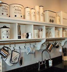 Ideas For Kitchen Diy Vintage Open Shelves Wooden Kitchen, Diy Kitchen, Tadelakt, Cabinet Decor, Farmhouse Furniture, Kitchen Shelves, Küchen Design, Open Shelving, Country Kitchen
