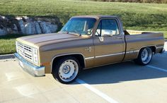 If you want to really stand out in a crowd, then perhaps owning a vehicle like this 1985 Chevrolet Silverado is just the thing that you're looking for. Chevy C10 For Sale, 1985 Chevy Truck, Custom Chevy Trucks, Chevy Pickup Trucks, Gm Trucks, Chevy Pickups, Cool Trucks, Dropped Trucks, Lowered Trucks