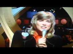 Danny's Song by Anne Murray (Live)