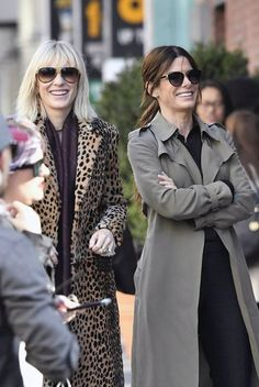 Everything We Learned From These Photos of Sandra Bullock and Cate Blanchett Filming Ocean's 8 Female Actresses, Actors & Actresses, Sandro, Cate Blanchett Films, Sandra Bullock Hair, Ocean's Eight, Oceans 8, Film Serie, Celebs
