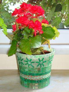 Mosaic Flowerpot 1 | by mozaikci
