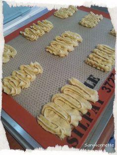 Spritz Spritz Cookies, Thermomix Desserts, Italian Desserts, Some Recipe, Food Humor, Baked Goods, Sweet Recipes, Cupcake Cakes, Deserts
