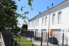 18.07.2016 Reihenhäuser in Hanau Klein-Auheim (Gartenansicht)