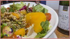 Te apetece una ensaladita de Les Vinyes? Fresquita y muy sana...  Acompáñala de un buen cava o un vinito de esos que tanto te gustan ;-)