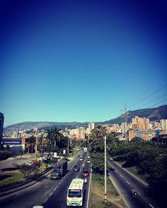 Amo el clima de mi ciudad #medellin #sunday by dvigmez