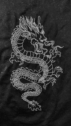 Dragon Wallpaper Iphone, Snake Wallpaper, Retro Wallpaper Iphone, Goth Wallpaper, Iphone Wallpaper Tumblr Aesthetic, Iphone Background Wallpaper, Butterfly Wallpaper, Cellphone Wallpaper, Cartoon Wallpaper