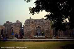 This place was once the college of Islam which was built by Khalji. #QutubMinar #TouringTravellers