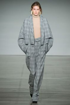 http://www.vogue.com/fashion-shows/fall-2017-ready-to-wear/zimmermann/slideshow/collection
