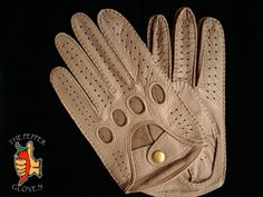 Men's deerskin driving gloves size 9.5 -  611 TAUPE BROWN - MANUAL SEWING #ThePepperGloves #DrivingGloves Leather Driving Gloves, Deerskin, Men's Collection, Leather Men, Taupe, Manual, Sewing, Best Deals, Brown