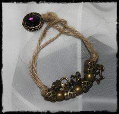 Pulsera hilo perlas y cuentas metálicas triskel
