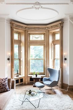 Dream Home Status: 5 of the Most Beautiful Brownstones in NYC | Let these five elegant brownstones take you back to a time when even the homes of everyday people had a touch of grandeur.