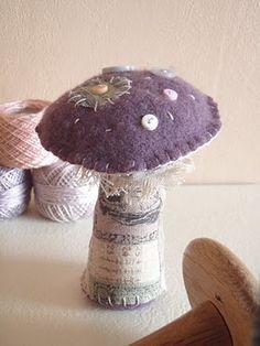 limb for stem, felt/lace/ribbon etc for top in creams/naturals Fabric Art, Fabric Crafts, Sewing Crafts, Sewing Projects, Mushroom Crafts, Felt Mushroom, Felt Diy, Felt Crafts, 3d Studio