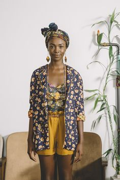 Tendance African Vintage : l'Afrique c'est chic Style Noir, Mode Style, African Inspired Fashion, African Fashion, Korean Fashion, Looks Style, Looks Cool, Mode Wax, Feminine Mode
