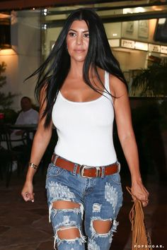 Pin for Later: Kourtney Kardashian Does Dinner With Girlfriends After Defending Her Decisions
