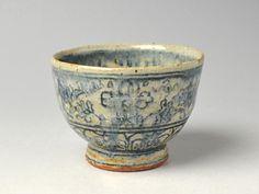 Imusaemu dyed flower arabesque bowl