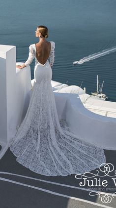 Elegant sexy Julie Vino wedding dresses for a beach wedding