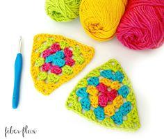 http://www.fiberfluxblog.com/2015/09/how-to-crochet-granny-triangle.html?utm_source=feedburner