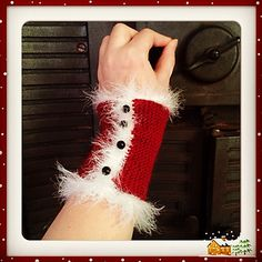 """FREE on Ravelry by Silje Camelie who says, """"This is the perfect little Christmas knit in between the stressed moments of getting everything ready."""""""