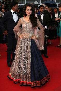 Ameesha Patel arrives at Cannes in Manish Malhotra anarkali. #Cannes2013