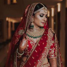 Saree Wedding, Wedding Attire, Wedding Dresses, Wedding Bride, Gift Wedding, Wedding Ideas, Pink Bridal Lehenga, Marathi Bride, Marathi Wedding