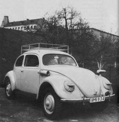 In 1941, two KdF-Wagen (type 82 E) were built in non-military execution for the colonial office. Special features: high gloss finish, chrome bumpers and handles, Klaxon horn, covered headlights. The vehicles have Berlin license plates. #vw_vintage_morat