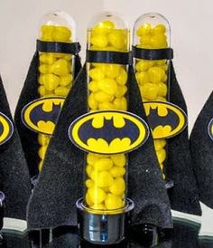 Boutique dos Mimos: Personalizados Liga da Justiça Lego Batman Party, Fiesta Batman Lego, Lego Batman Birthday, Girl Superhero Party, Superhero Baby Shower, Avenger Party, Baby Batman, Batman Vs Superman, Hippie Birthday