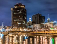 """rochesterny: """"This is #ROC  Downtown #RochesterNY views shared by @morgantephotography #ThisIsROC"""""""