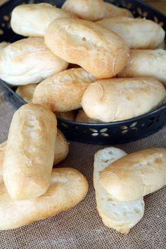 Llegó Mayo, para nosotros #MayoCeliaco. Durante este mes os voy a dejar varias recetitas, pan, un postre light y un bizcocho.  Hoy hacemos h...
