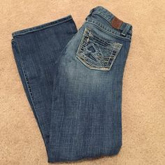 BKE Denim Stella Jeans Stretch 26 x 29 1/2 EUC! BKE Denim Stella Jeans Stretch 26 x 29 1/2 EUC! Like new, no frays or stains! BKE Jeans Boot Cut