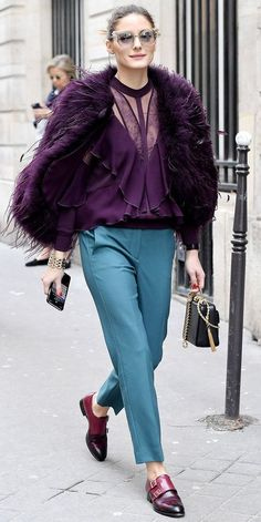 Olivia Palermo is the queen of street style, and her latest look is all the proof you need. That purple coat looks super soft, and we love how she balanced out the glam piece with loafers. Olivia Palermo Outfit, Estilo Olivia Palermo, Olivia Palermo Lookbook, Olivia Palermo Style, Celebridades Fashion, Purple Coat, Pantalon Large, Fashion Week 2018, Looks Street Style