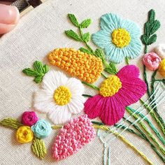 Awesome Most Popular Embroidery Patterns Ideas. Most Popular Embroidery Patterns Ideas. Hand Embroidery Stitches, Crewel Embroidery, Hand Embroidery Designs, Ribbon Embroidery, Embroidery Techniques, Cross Stitch Embroidery, Embroidery Patterns, Floral Embroidery, Diy Broderie
