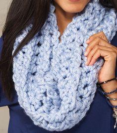 Chunky Grande Cowl | Free Crochet Pattern | Crochet Cowl