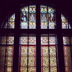 #stainedglass #elegance #castelulcantacuzino #arhitectura #ig_busteni #ig_romania #floral