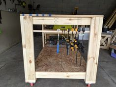 Your woodworking work bench plans Showing Check out woodworking work bench plans Woodworking Bench Plans, Easy Woodworking Projects, Woodworking Shop, Wood Projects, Table Saw Workbench, Workbench Plans, Diy Table Saw, A Table, Diy Garage Storage