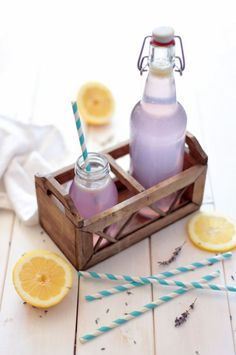 All Natural Lavender Lemonade - Green Evi Party Drinks, Cocktail Drinks, Fun Drinks, Yummy Drinks, Healthy Drinks, Beverages, Cocktails, Colorful Drinks, Whole Foods Vegan