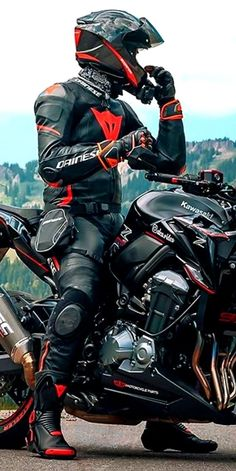 Motocross Outfits, Motard Sexy, Sport Bikes, Sport Motorcycles, Bike Leathers, Motorcycle Suit, Biker Boys, Biker Gear, Motorbikes