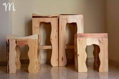 Taburetes rústico fabricado en Mideco con madera de palets. Rustic Bar Stools, Rustic Furniture, Beds, Wood